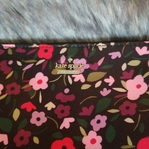kate spade Bags - Kate Spade Make Up Bag